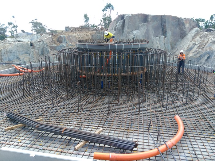 Steel footing for wind turbine footing