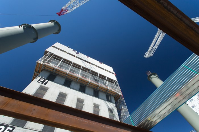 Cambered steel beams installed in 300 George St, Brisbane